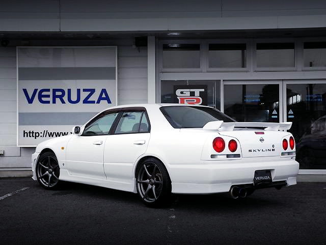 REAR EXTERIOR HR34 SKYLINE 4-DOOR