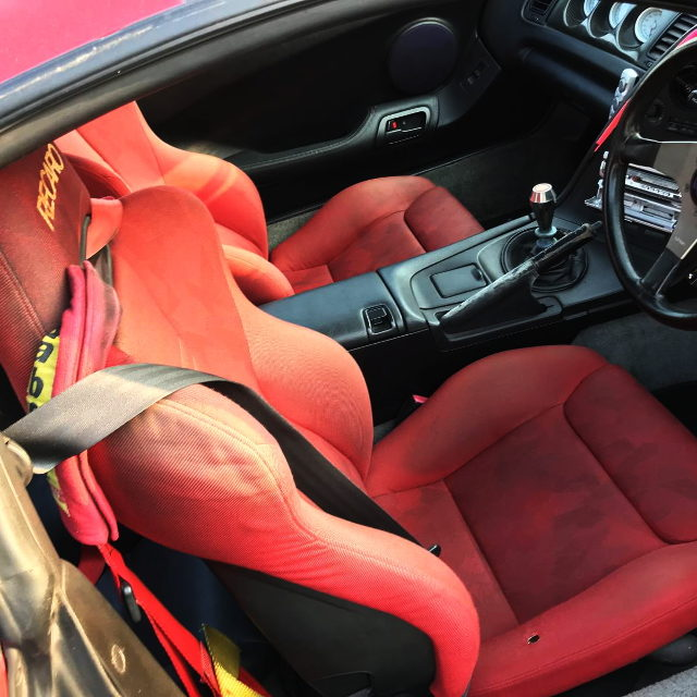 BAUCKET SEATS RED