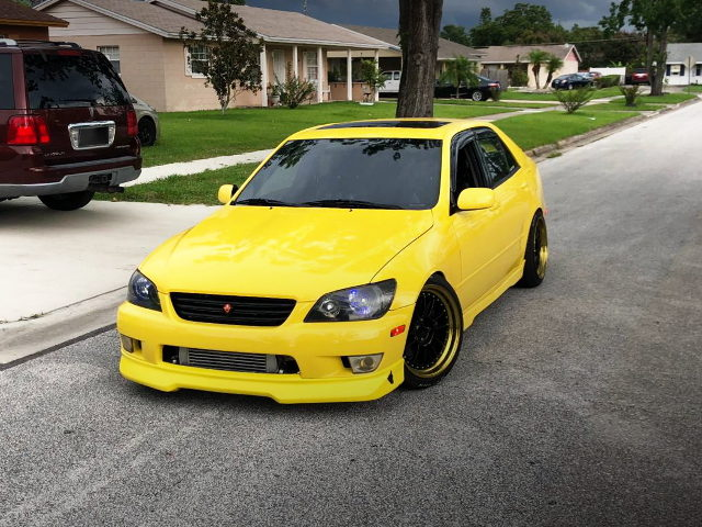 EXTERIOR 1ST GEN LEXUS IS YELLOW