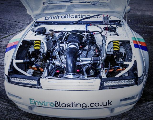 LS2 V8 ENGINE
