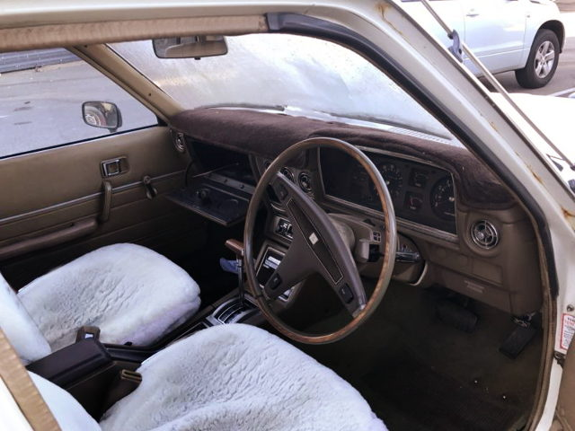 MX36 CRESSIDA WAGON INTERIOR