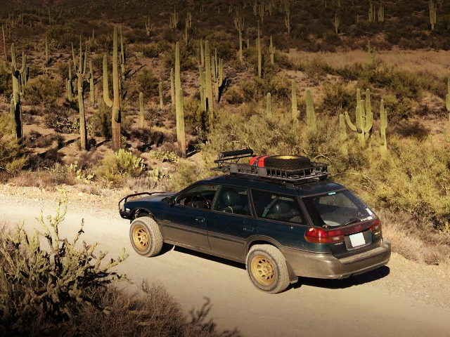 REAR EXTERIOR LIFTED SUBARU OUTBACK