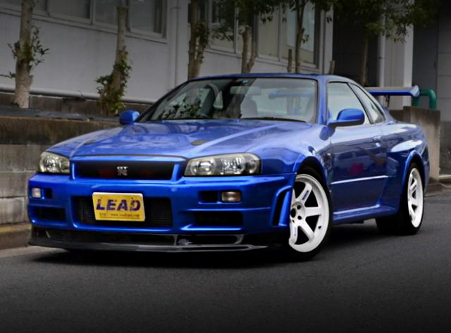 FRONT FACE R34 GT-R V-SPEC BLUE