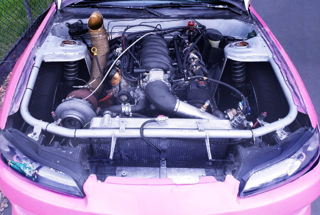LM7 V8 TURBO ENGINE