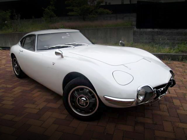 FRONT EXTERIOR TOYOTA 2000GT REPLICA R3000GT