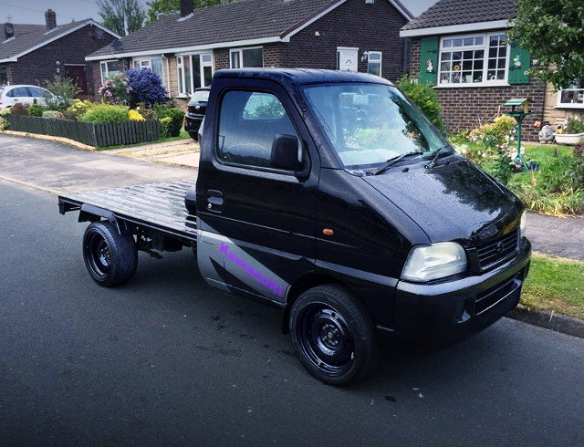 FRONT EXTERIOR UK MODEL SUZUKI CARRY TRUCK