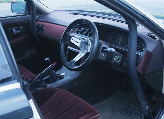 HC33 LAUREL INTERIOR