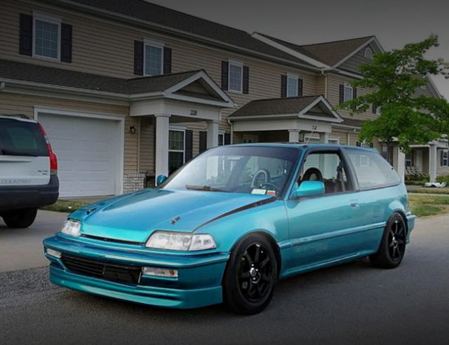 FRONT EXTERIOR GREEN EF CIVIC HATCH