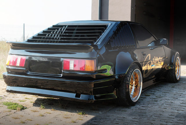 REAR RIGHT SIDE EXTERIOR AE86 LEVIN