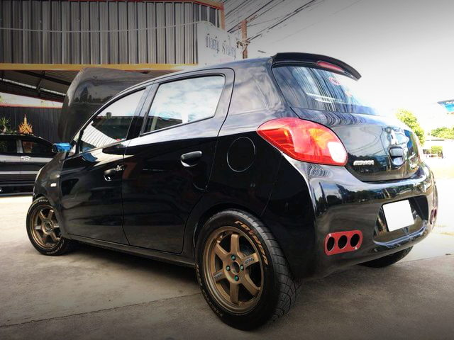 REAR EXTERIOR BLACK MIRAGE