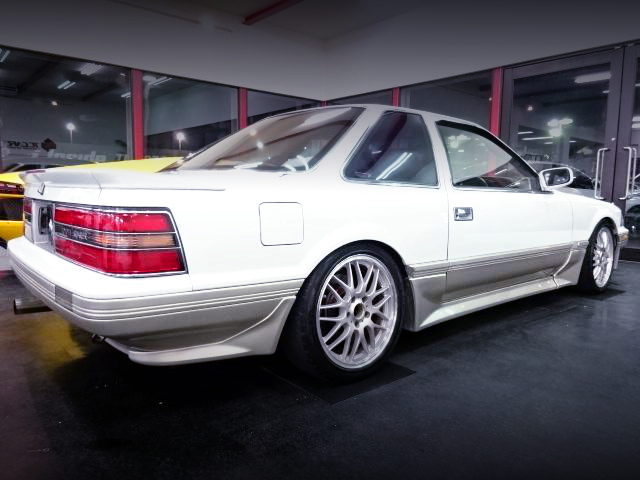 REAr EXTERIOR MZ20 SOARER WHITE GOLD