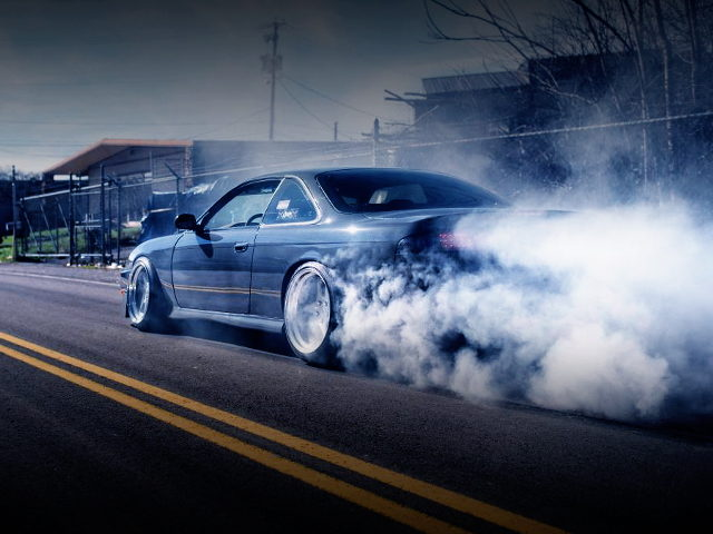 SMOKE TIRE