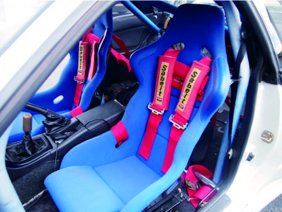 TWO-SEATER FOR R32 GTR INTERIOR