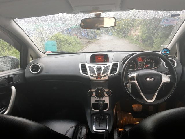 INTERIOR FORD FIESTA 5-DOOR