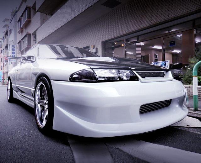 FRONT FACE R32 GTR WHITE