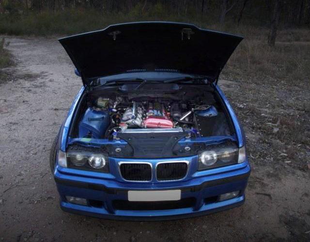 HOOD OPEN E36 BMW M3