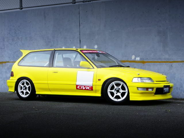 FRONT EXTERIOR EF9 GRAND CIVIC SiR2 YELLOW