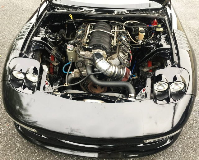 LS2 V8 ENGINE