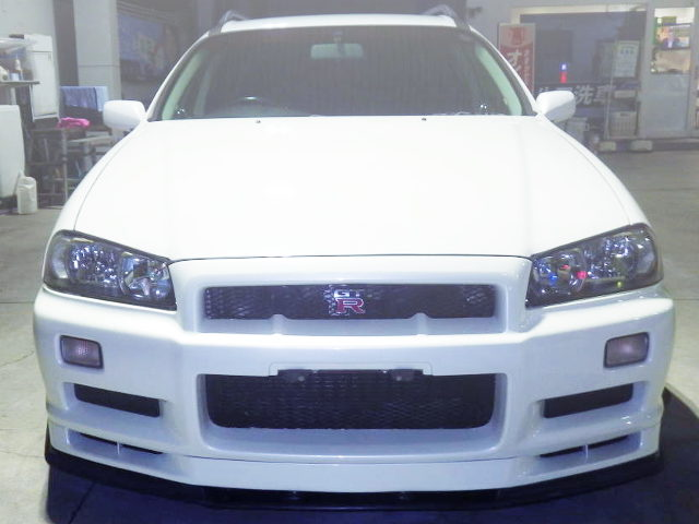 R34 SKYLINE GT-R FRONT END