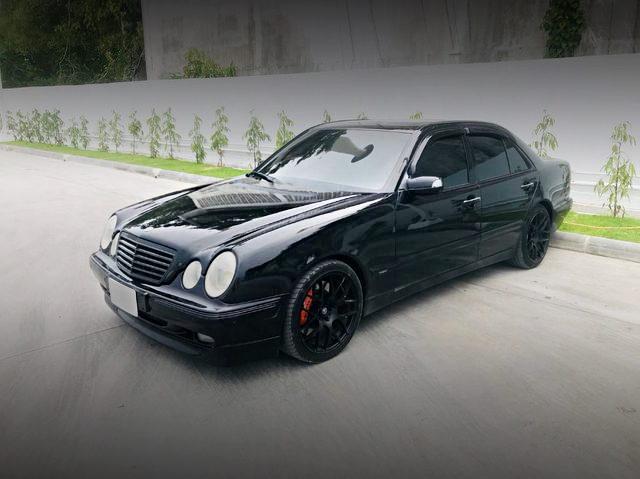 FRONT EXTERIOR BENZ E240 BLACK
