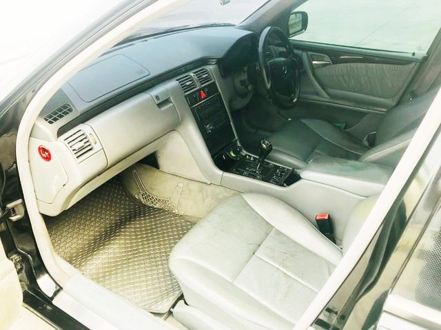 W210 BENZ INTERIOR