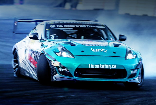DRIFTING Z34 370Z WIDEBODY