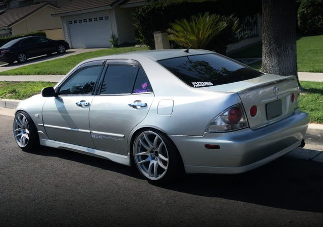 REAR EXTERIOR 1ST GEN LEXUS IS300