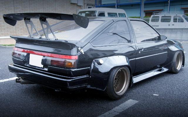 REAR EXTERIOR AE86 TRUENO BLACK