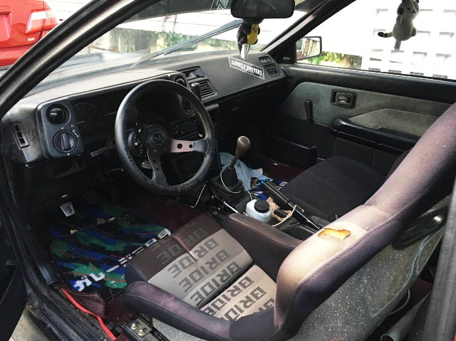 LEFT HAND STEERING INTERIOR OF AE86