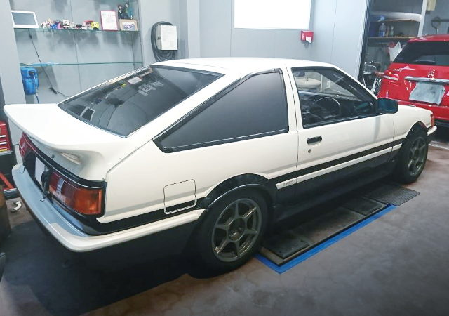 REAR EXTERIOR FROM AE86 LEVIN