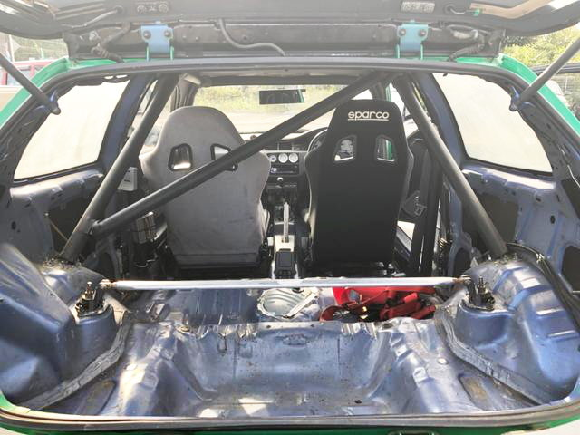 ROLLBAR IN EG CIVIC INTERIOR