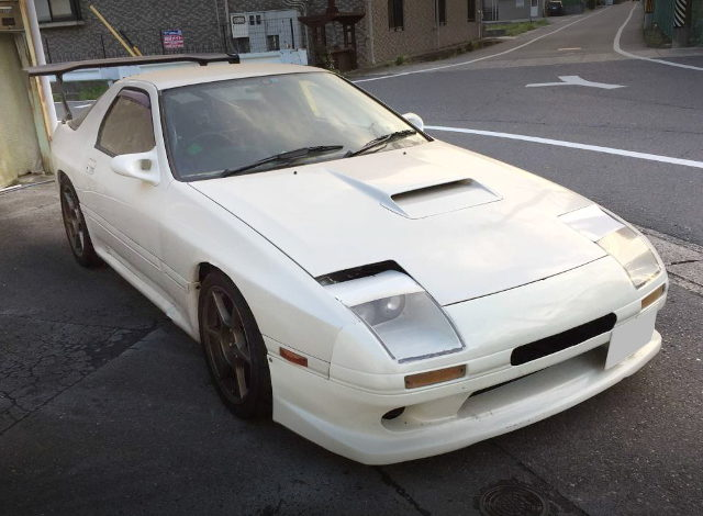 FRONT FACE FC3S RX-7 WHITE