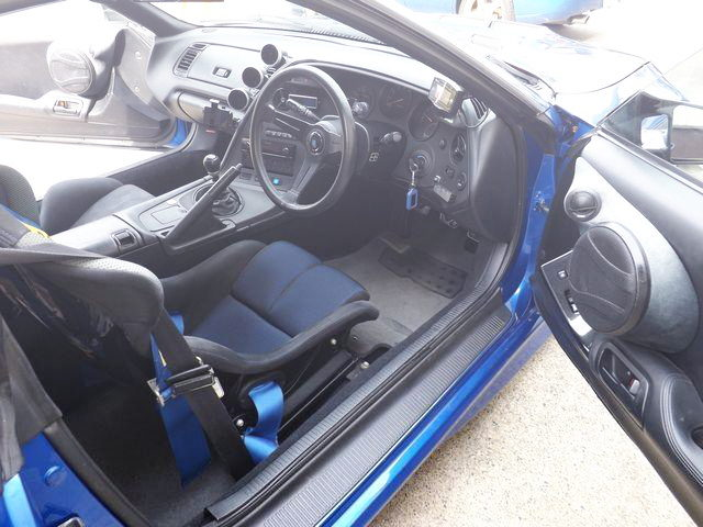 INTERIOR RIGHT HAND STEERING