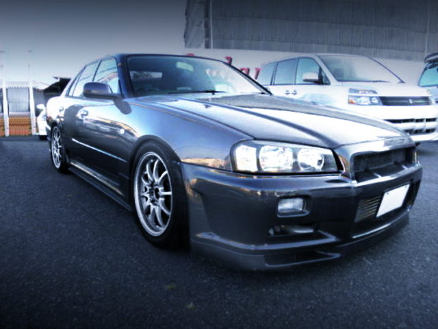 FRONT FACE R34 SKYLINE 4-DOOR