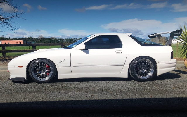 SIDE EXTERIOR FC3S RX7 WHITE