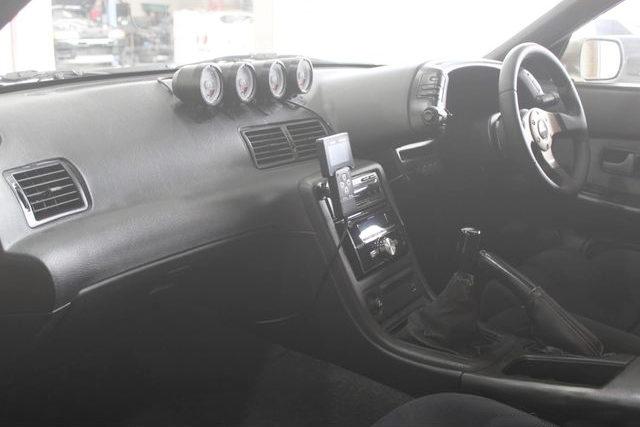 INTERIOR DASH BOARD R32 SKYLINE