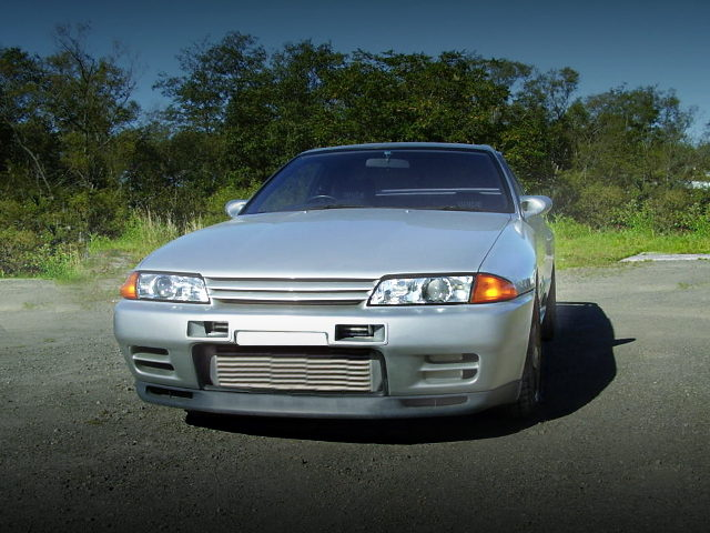 FRONT FACE R32 SKYLINE GT-R SILVER