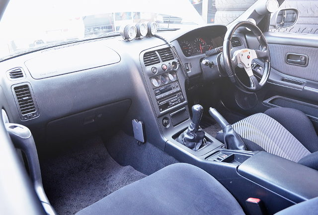 INTERIOR R33 SKYLINE GT-R V-SPEC
