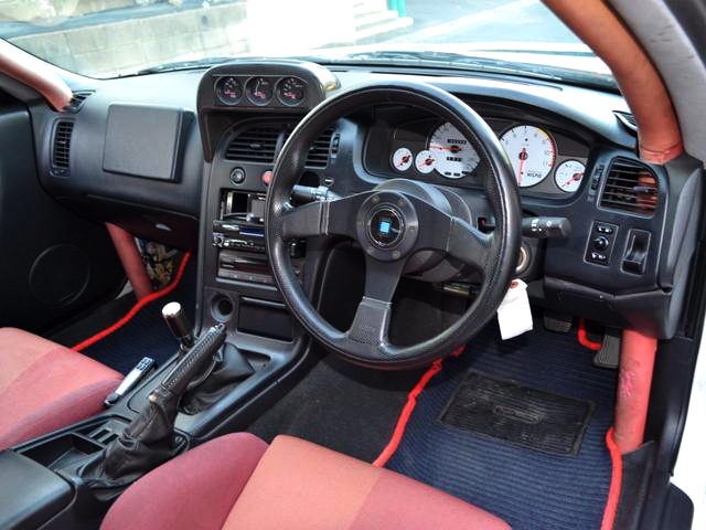 INTERIOR R33 GTR WAGON DASHBOARD
