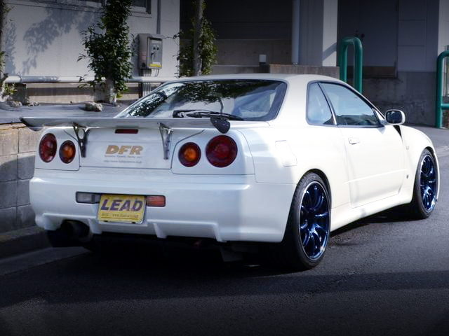 REAR EXTERIOR R34 SKYLINE GT-R V-SPEC2
