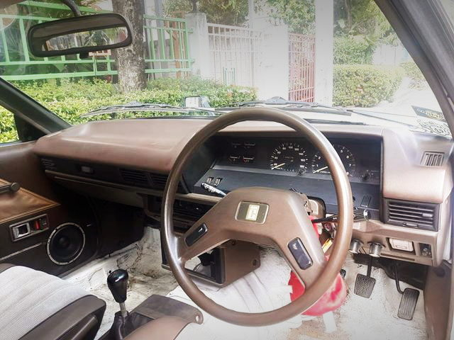 INTERIOR TE71 COROLLA DASHBOARD