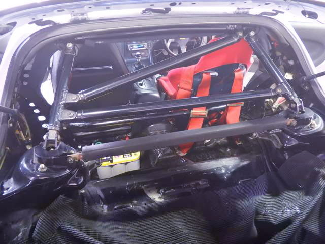 ROLL CAGE ON FD3S RX7 INTERIOR