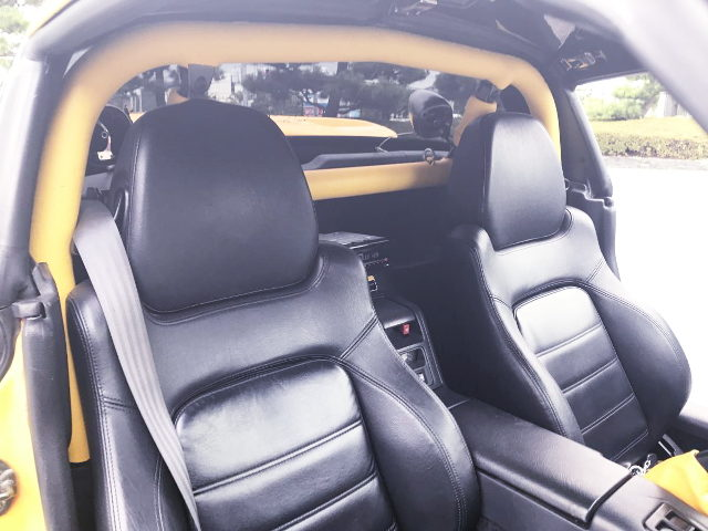SEATS AND ROLLBAR