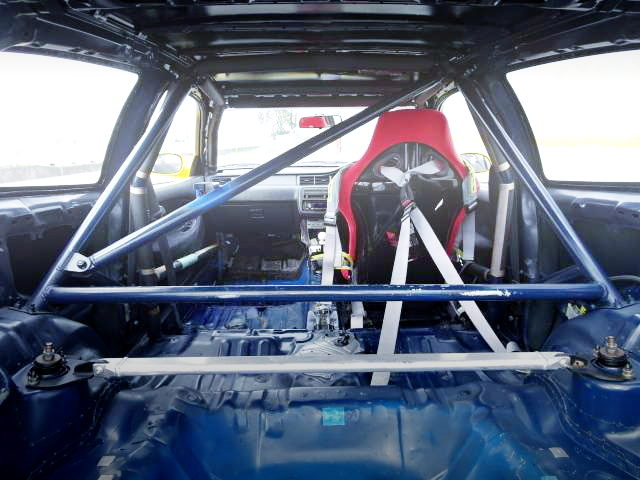 ROLL CAGE WITH SINGLE SEAT