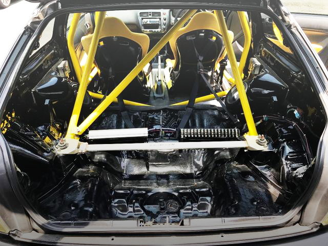 ROLL CAGE OF YELLOW COLOR