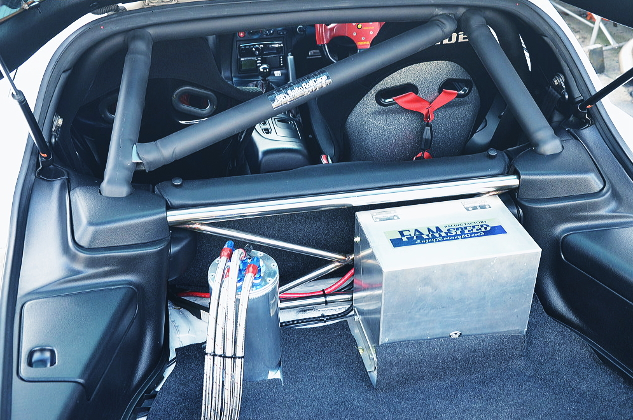 ROLL CAGE INTO FD3S RX7 INTERIOR