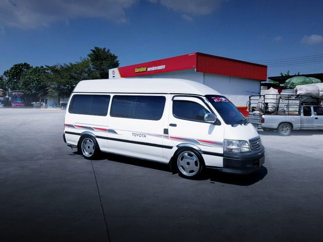 SIDE EXTERIOR H100 HIACE