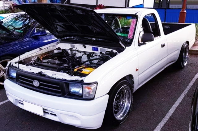 HOOD OPEN 6th Gen HILUX