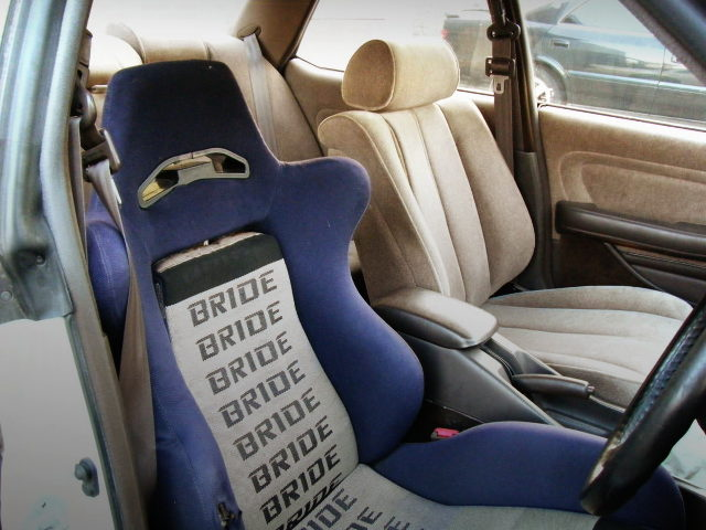 BRIDE BUCKET SEAT ON DRIVER POSITION
