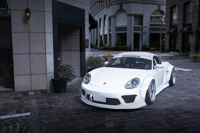 FRONT FACE 987 PORSCHE CAYMAN S SUPER WHITE